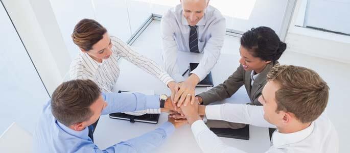 Team-Zusammenarbeit: Hände-Stapel